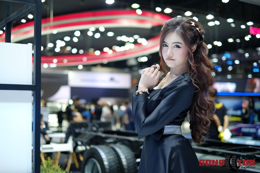 รวมภาพพริตตี้ สวยใส น่ารักสุดๆ ในงาน Motor Expo 2017